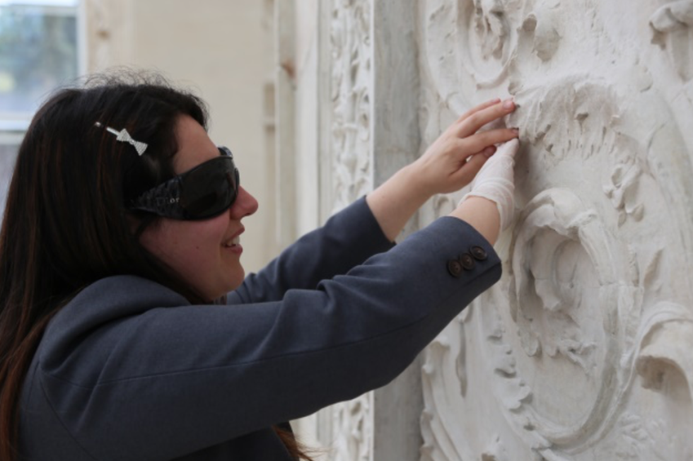Art for the blind: all'Ara Pacis arriva l'arte per non vedenti